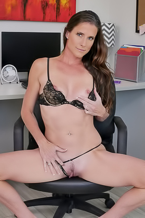 Sofie Marie Hungry For Cum