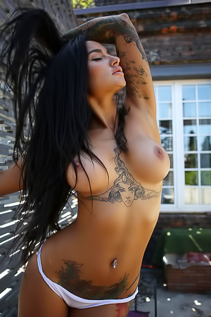 LeeQ Hot Naked Girl