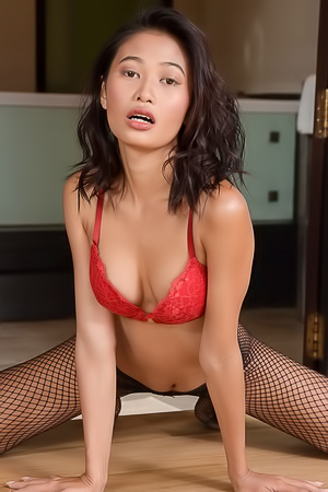 Sexy Goddess Hiromi Take Off Her Lingerie